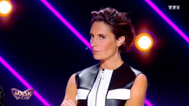 La veste sans manche en cuir de Alessandra Sublet dans Mask Singer