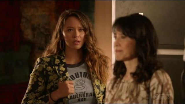 Grey Bouton Tee worn by Lucy Chen (Melissa O'Neil) in The Rookie Season 02 Episode 05
