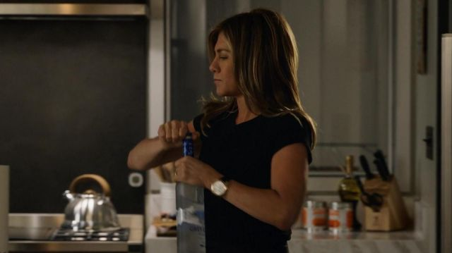 Grey Goose Vodka of Alex Levy (Jennifer Aniston) in The Morning Show (S01E01)