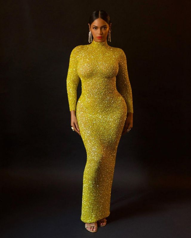 Sequined Dress Yellow Of Beyonce On The Account Instagram Of Beyonce Spotern