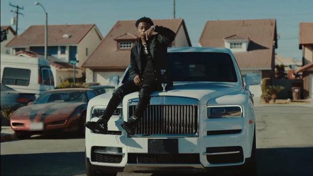 Kenzo noir brodé Tiger hoodie de Roddy Ricch dans la vidéo YouTube Roddy Ricch - Début Wit Me (feat. Gunna) [Official Music Video]
