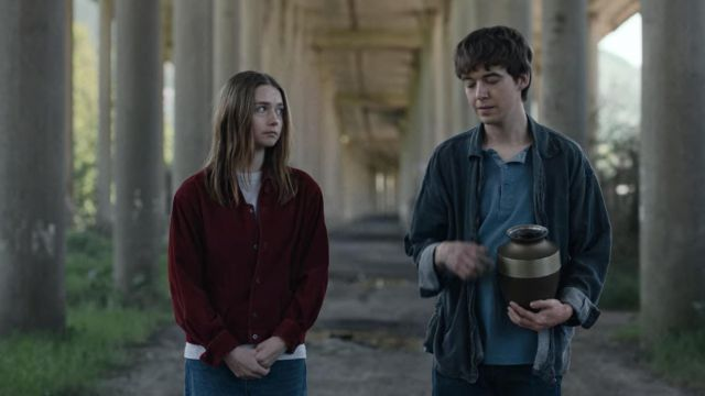 Red Burgundy Long-sleeve Corduroy Casual Shirt worn by Alyssa (Jessica Barden) in The End of the F***ing World (S02E08)