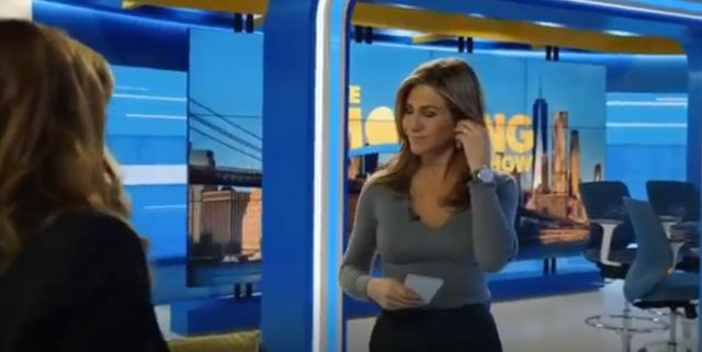 Joseph Cashmere Sweater worn by Alex Levy (Jennifer Aniston) in The Morning Show Season 01 Episode 01