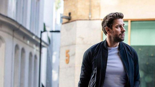 Navy blue bomber jacket worn by Jack Ryan (John Krasinski) in Tom Clancy's Jack Ryan (S02E08)