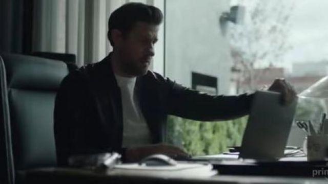 The computer portable black-Jack Ryan (John Krasiński) in Jack Ryan Season 2