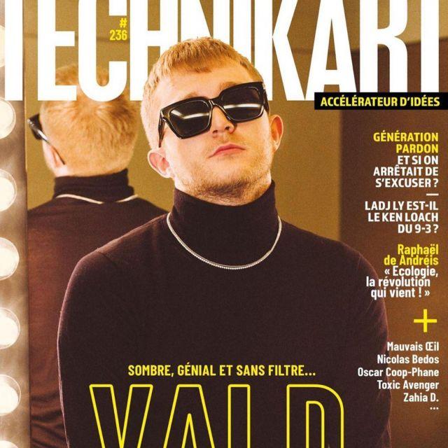 Le col roulé noir porté par V.A.L.D en couverture de Technikart