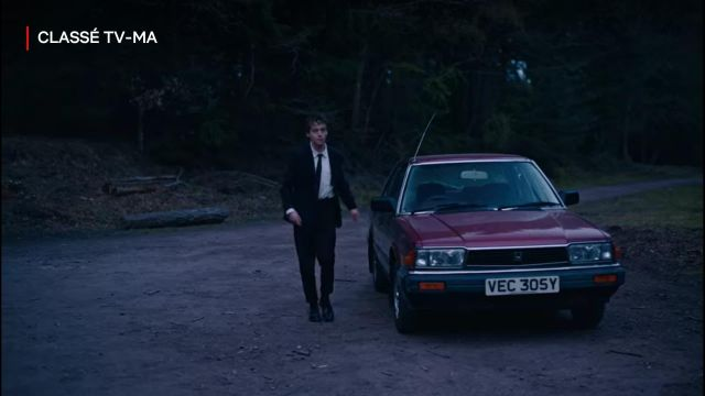 Suit trousers in black to James (Alex Lawther) in The End of the F***ing World (S02E02)