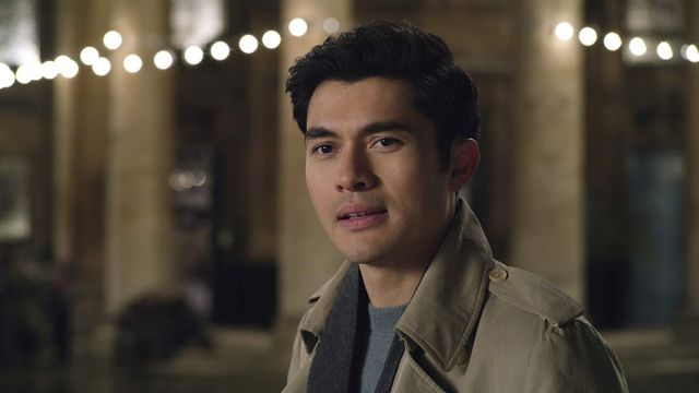 Dark Gray Scarf worn by Tom (Henry Golding) in Last Christmas