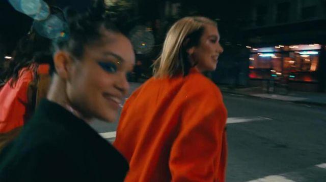 Oversized orange cardigan of Dua Lipa in Dua Lipa - Don't Start Now (Official Music Video)