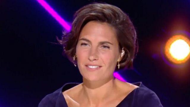 Les boucles d'oreilles or jaune et diamants de Alessandra Sublet dans Mask Singer Episode 2 le 15 novembre 2019