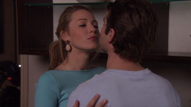 Rachel Leigh Millie en Cristal de Boucles d'oreilles portées par Serena van der Woodsen (Blake Lively dans Gossip Girl (S03E20)