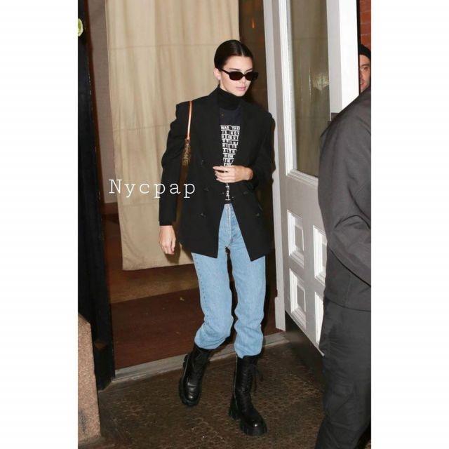 Louis Vuitton Pochette Accessoires Sac porté par Kendall Jenner, la Ville de New York, le 17 novembre 2019