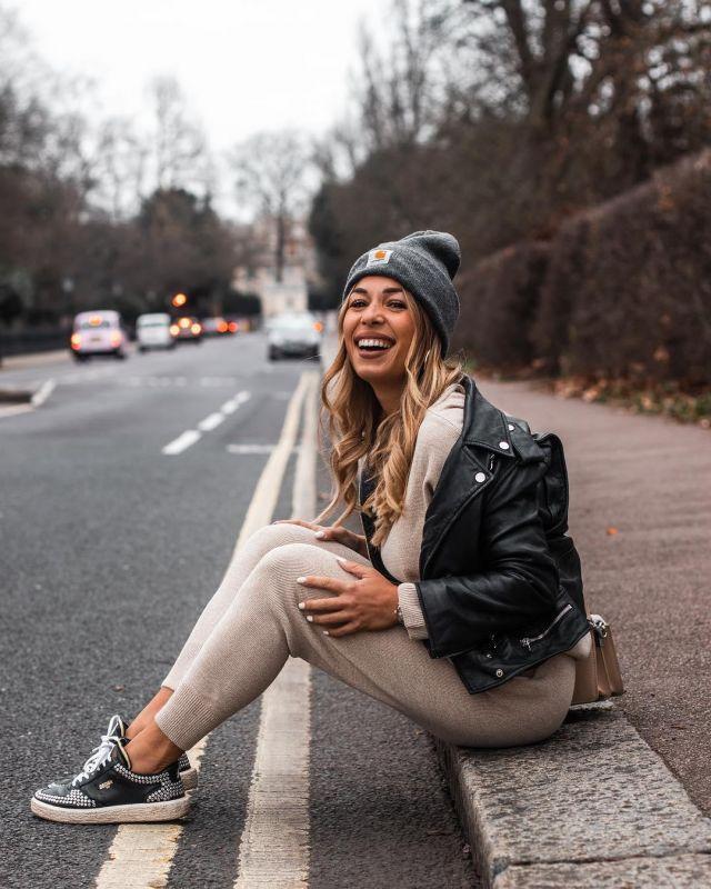 The Beanie Grey Carhartt Worn By Stephanie During Account On The Instagram Of Stephaniedurant Spotern