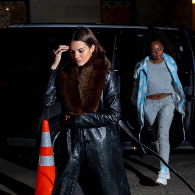Magda Butrym Ohio Manteau de Cuir, porté par Kendall Jenner à New York City le 22 novembre 2019