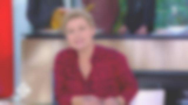 La chemise rouge imprimé léopard de Anne-Élisabeth Lemoine dans C à vous