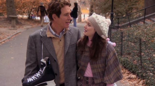 Le manteaux court à carreaux porté par Blair Waldorf (Leighton Meester) dans Gossip Girl (S01E10)