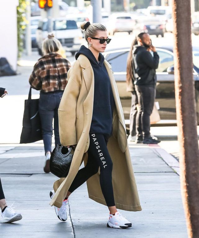 Tna The Perfect Hoodie worn by Hailey Baldwin Los Angeles December 9, 2019
