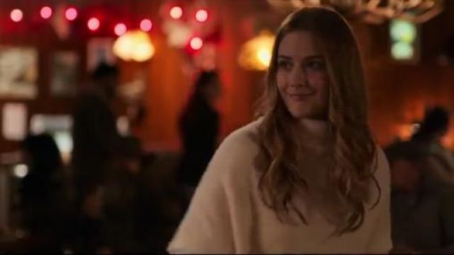 Monrow Sweatshirt worn by Melinda Monroe (Alexandra Breckenridge) in Virgin River Season 01 Episode 01