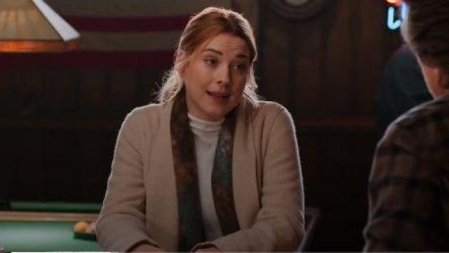 Beige Roll Neck Sweater worn by Melinda Monroe (Alexandra Breckenridge) in Virgin River Season 01 Episode 03