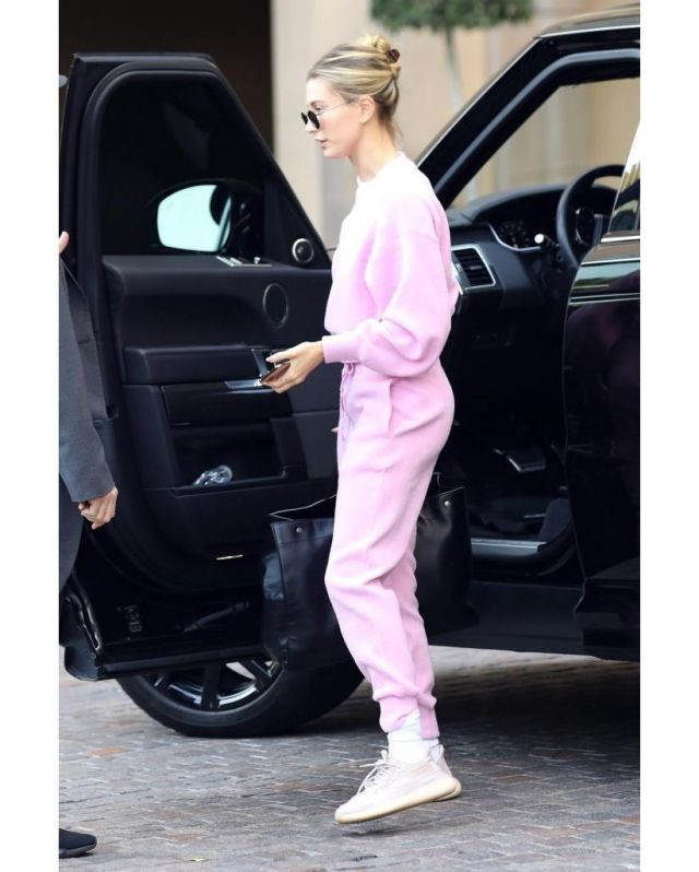 Callipygian Ribbed Knit Jumper worn by Hailey Baldwin Los Angeles December 11, 2019