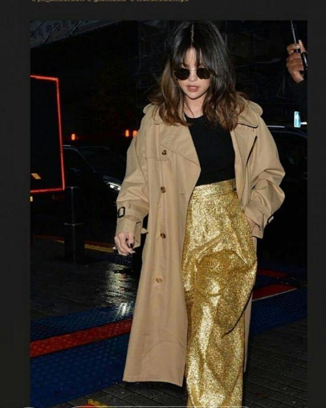 Garde-robe.Nyc Version Double Boutonnage en Coton Trench Manteau porté par Selena Gomez Londres le 11 décembre 2019