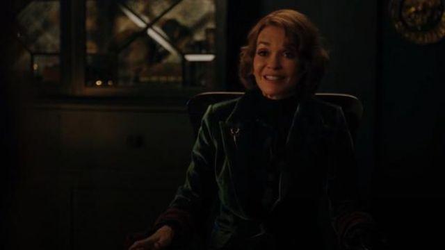 Green Velvet Blazer worn by Penelope Blossom (Nathalie Boltt) in Riverdale Season 4 Episode 9