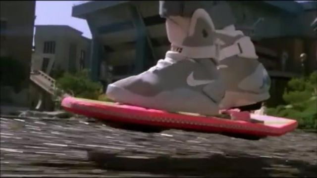 LIGHT UP BACK TO THE FUTURE 2 CHAUSSURES de Marty McFly / Marty McFly Jr. / Marlene McFly (Michael J. Fox) dans Retour vers le futur II