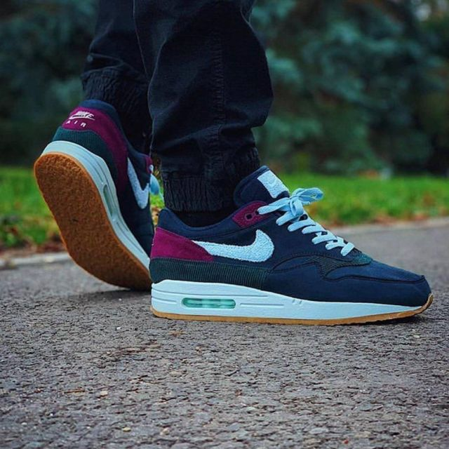 Air Max 1 Dark Obsidian Crepe Sole on the account Instagram