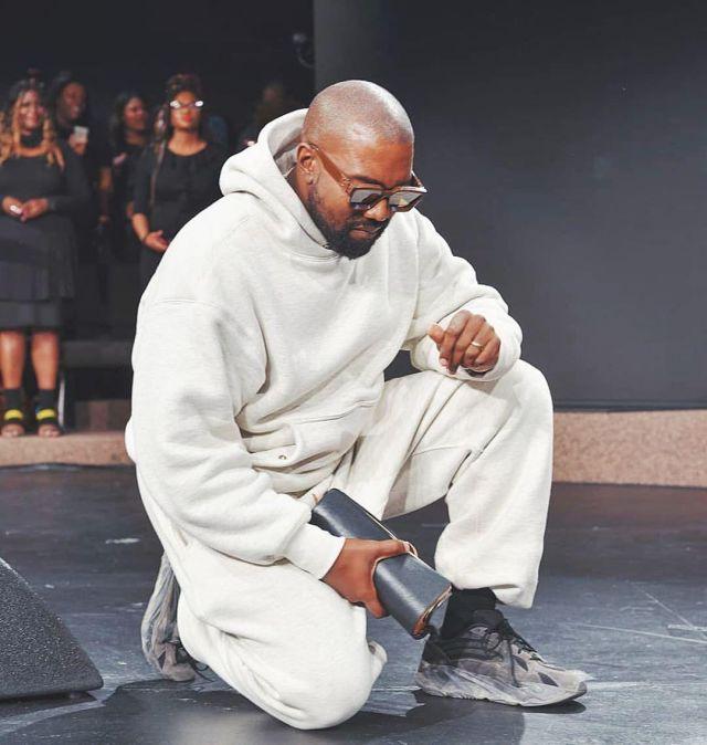 Yeezy Boost 700 v2 Vanta Kanye West