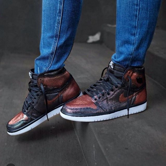 air jordan 1 fearless metallic rose gold