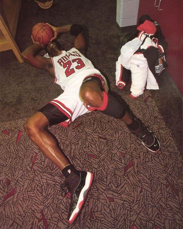 Jordan 11 Retro Playoffs (2012) on the