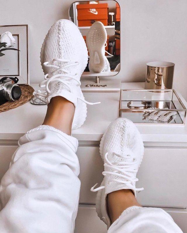Les Adidas Yeezy Boost 350 V2 CreamTriple White sur le