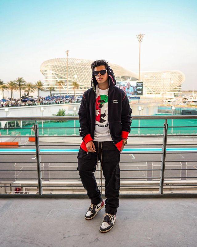 BAPE x F1 Shark Full Zip Hoodie Black sur le compte Instagram de @aripetrou