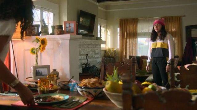 Black Jogging Pants worn by Molly Hernandez (Allegra Acosta) in Marvel's Runaways Season 3 Episode 5