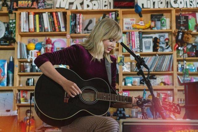 Pantalon à carreaux de Taylor Swift sur le compte Instagram de @taylorswift