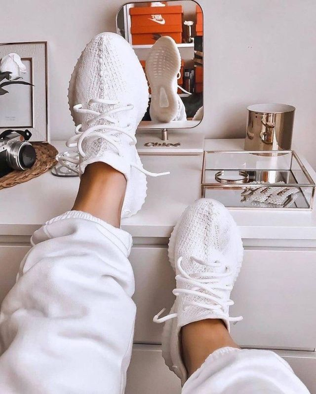 Adidas Yeezy Boost 350 V2 Cream/Triple