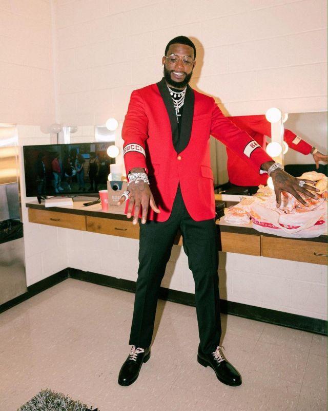 La Veste Gucci Rouge Portée Par Gucci Mane Sur Le Compte Instagram De Laflare1017 Spotern