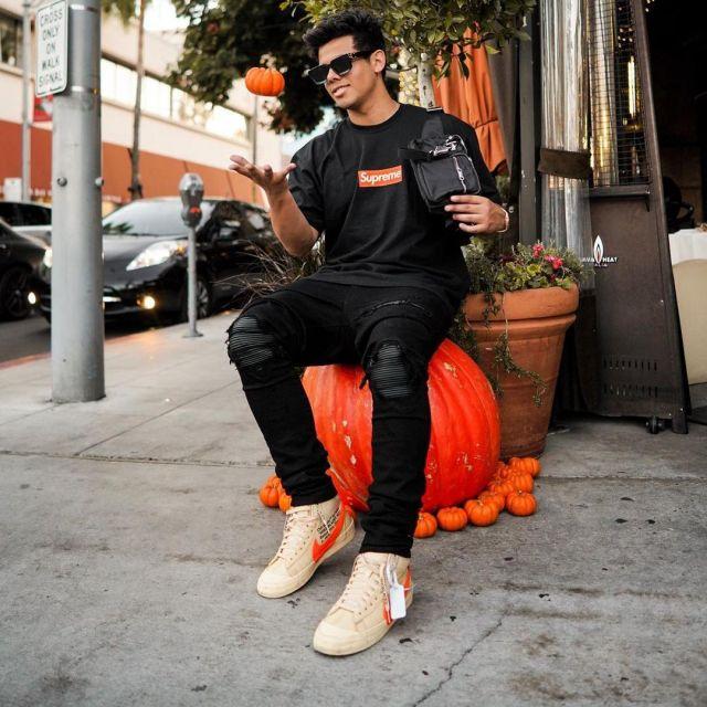 Chaussure Nike Off White  porté par aripetrou   sur le compte Instagram de @aripetrou