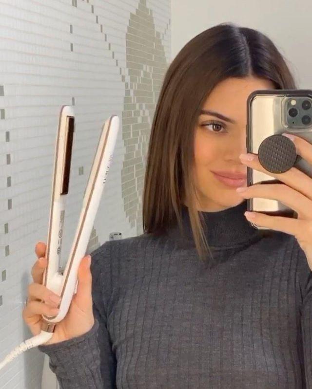 Le pull gris cotelé col roulé porté par Kendall Jenner sur le compte Instagram de @kendalljenner
