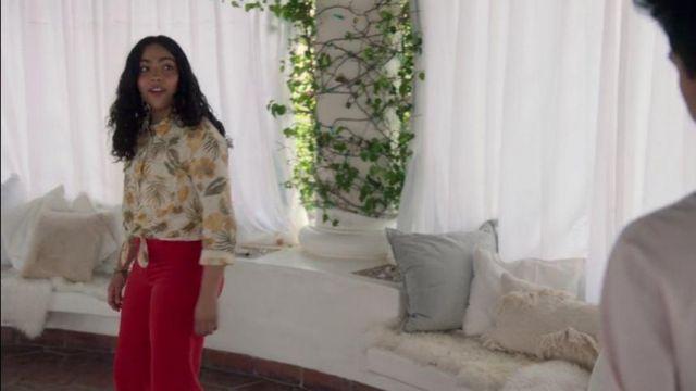 Red Wide Leg Jeans worn by Molly Hernandez (Allegra Acosta) in Marvel's Runaways Season 3 Episode 7