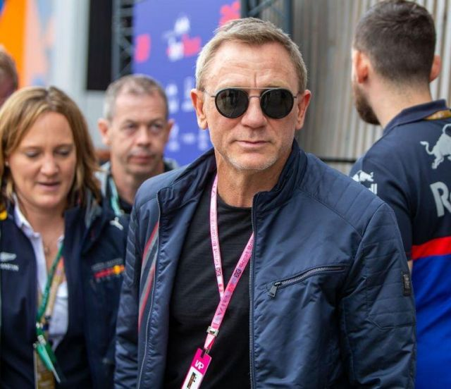 Navy blue bomber Jacket worn by Daniel Craig on the set of No Time To Die