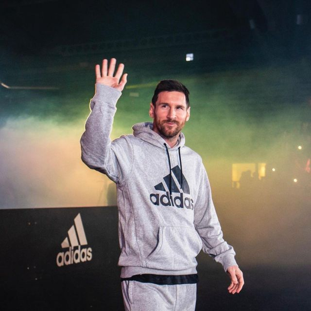 Sweat Shirt Adidas worn by Lionel Messi on the account