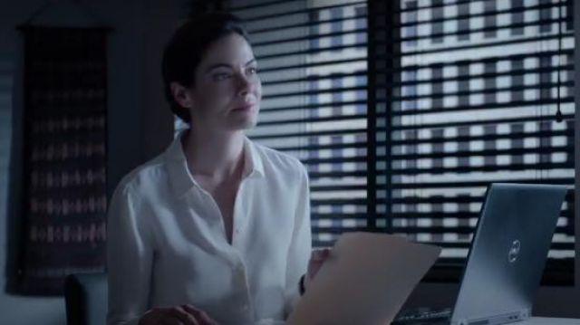 Slim Fitted White Blouse worn by Eva Geller (Michelle Monaghan) in Messiah Season 1 Episode 1
