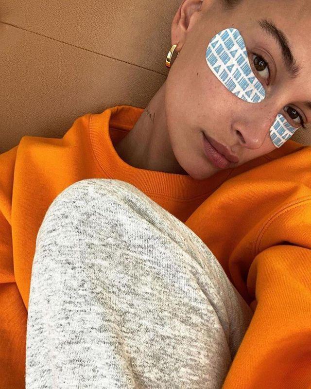 Anita Ko Meryl Karat Rose Gold Hoop Earrings worn by Hailey Baldwin on the Instagram account @haileybieber