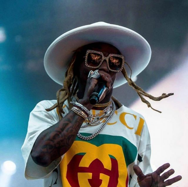 The white hat style fedorah UFO Lil Wayne on the account Instagram of @liltunechi_c5