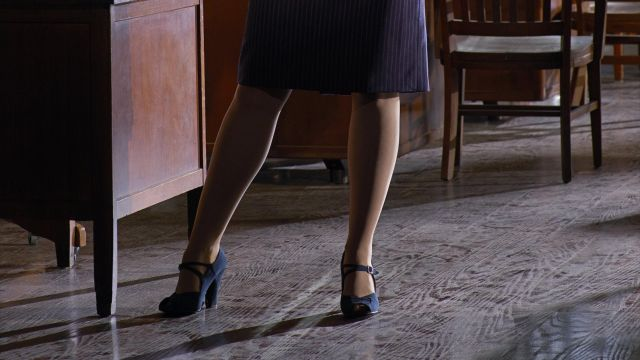 Stockings Of Peggy Carter Hayley Atwell In Marvel S Agent Carter S01e01 Spotern