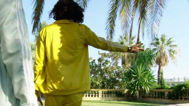 La veste de survetement jaune porté par charles vicomte dans la vidéo Lorenzo ft. Charles Vicomte - Champagne & Pétou