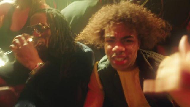 La doudoune sans manches de Gambi dans le clip Gambi - Dans l'espace feat. Heuss l'Enfoiré (Clip officiel)