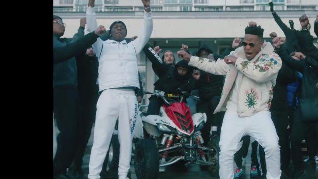 Le jogging blanc porté par Tiakola dans le clip 4Keus Feat. Niska - M.D