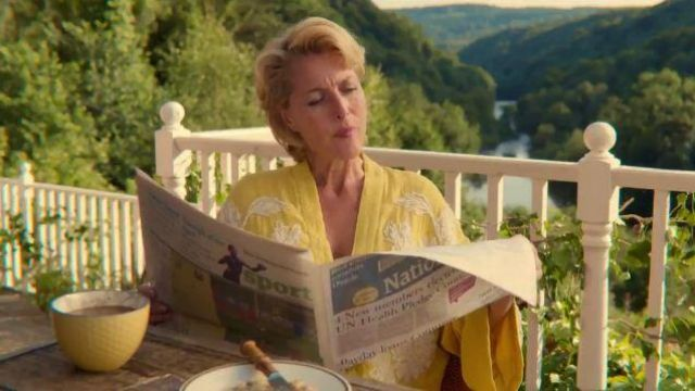 Yellow Embroidered Kimono worn by Jean Milburn (Gillian Anderson) in Sex Education Season 2 Episode 1